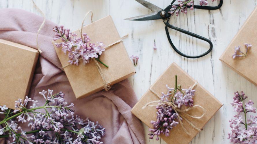 ただただ無心に、箱に花を詰める心地のよい時間。