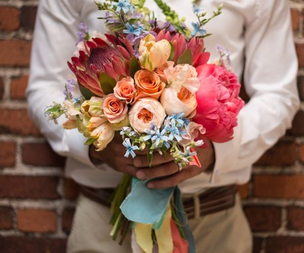 男性から女性への花贈りは、ウルトラハッピーのシェア〈お客様レビュー〉